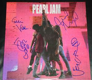 PEARL JAM SIGNED TEN 10 AUTOGRAPHED ALBUM BY 4 EDDIE VEDDER +3