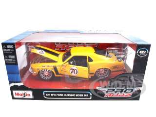 model of 1970 Ford Mustang Boss 302 #70 die cast model car by Maisto