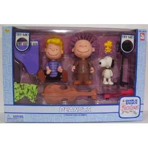 action figure set with Schroeder, Pig Pen and Snoopy Toys & Games